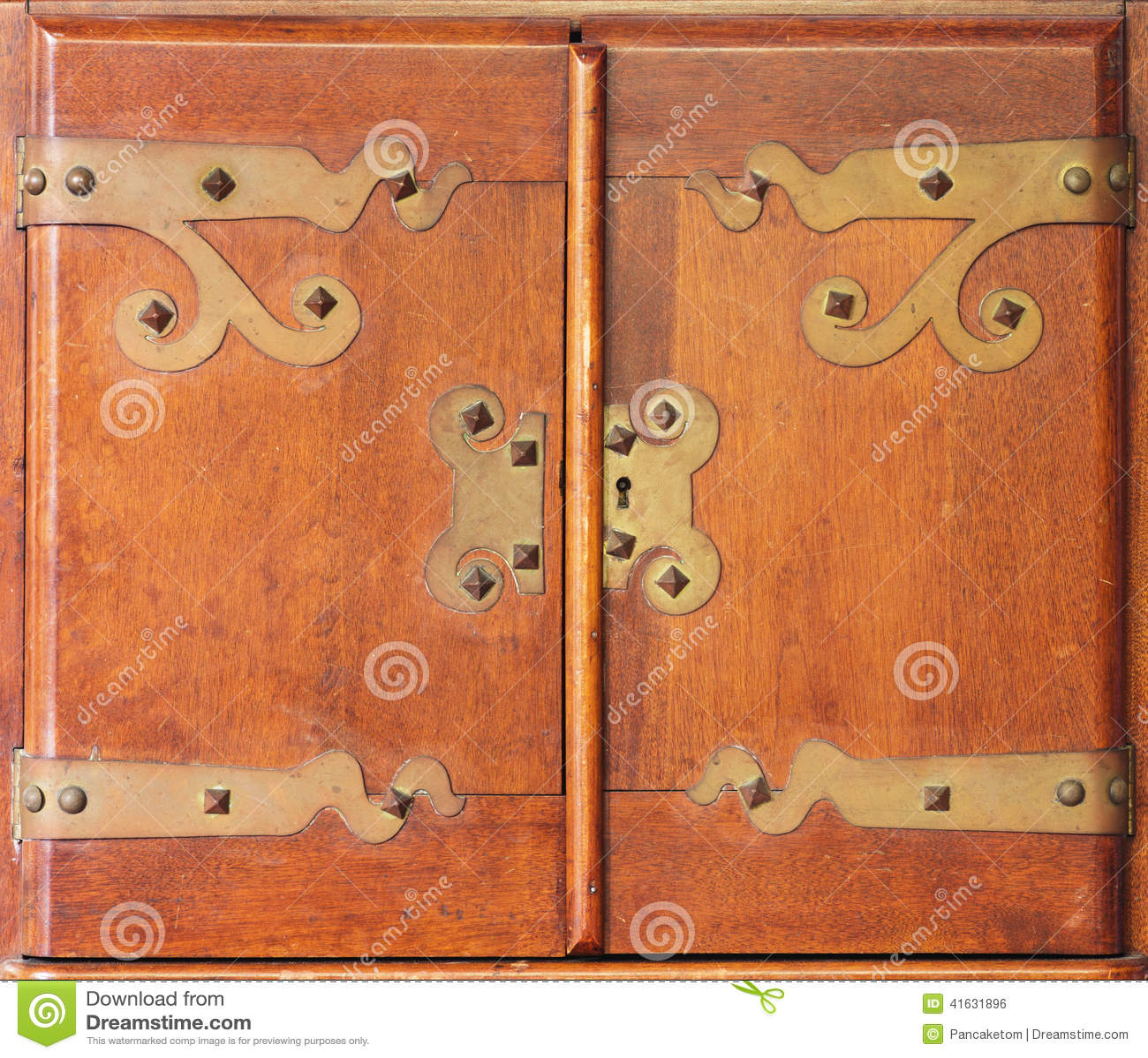 Antike Schrankturen Stockfoto Bild Von Tur Turen Geschlossen