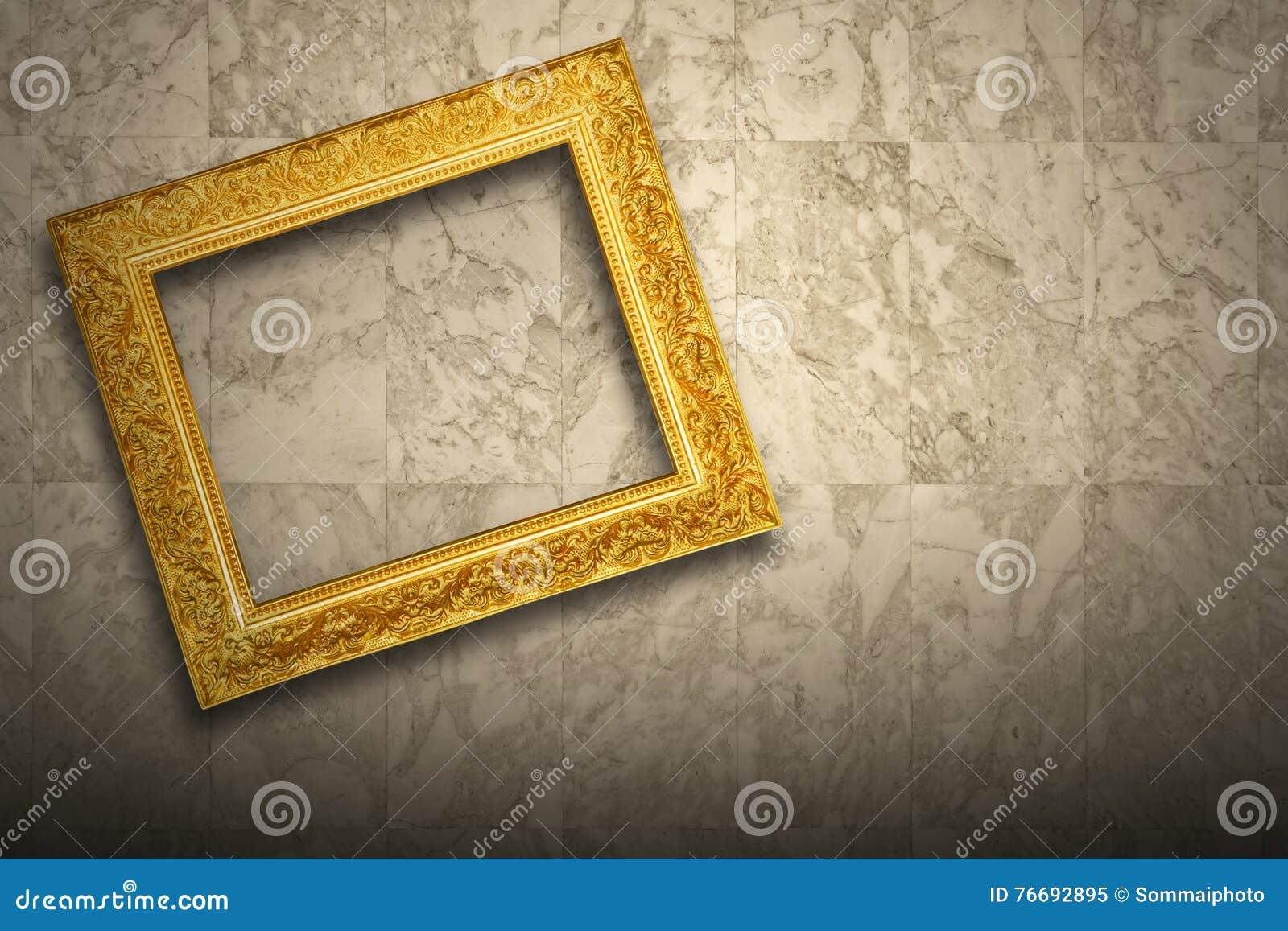 Antiker alter Bilderrahmen stockbild. Bild von gold, marmor - 76692895
