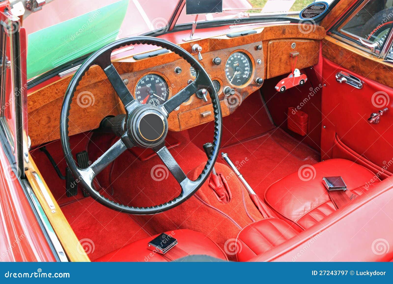 Antikes auto innenraum ansicht lizenzfreie stockfotografie for Auto innenraum