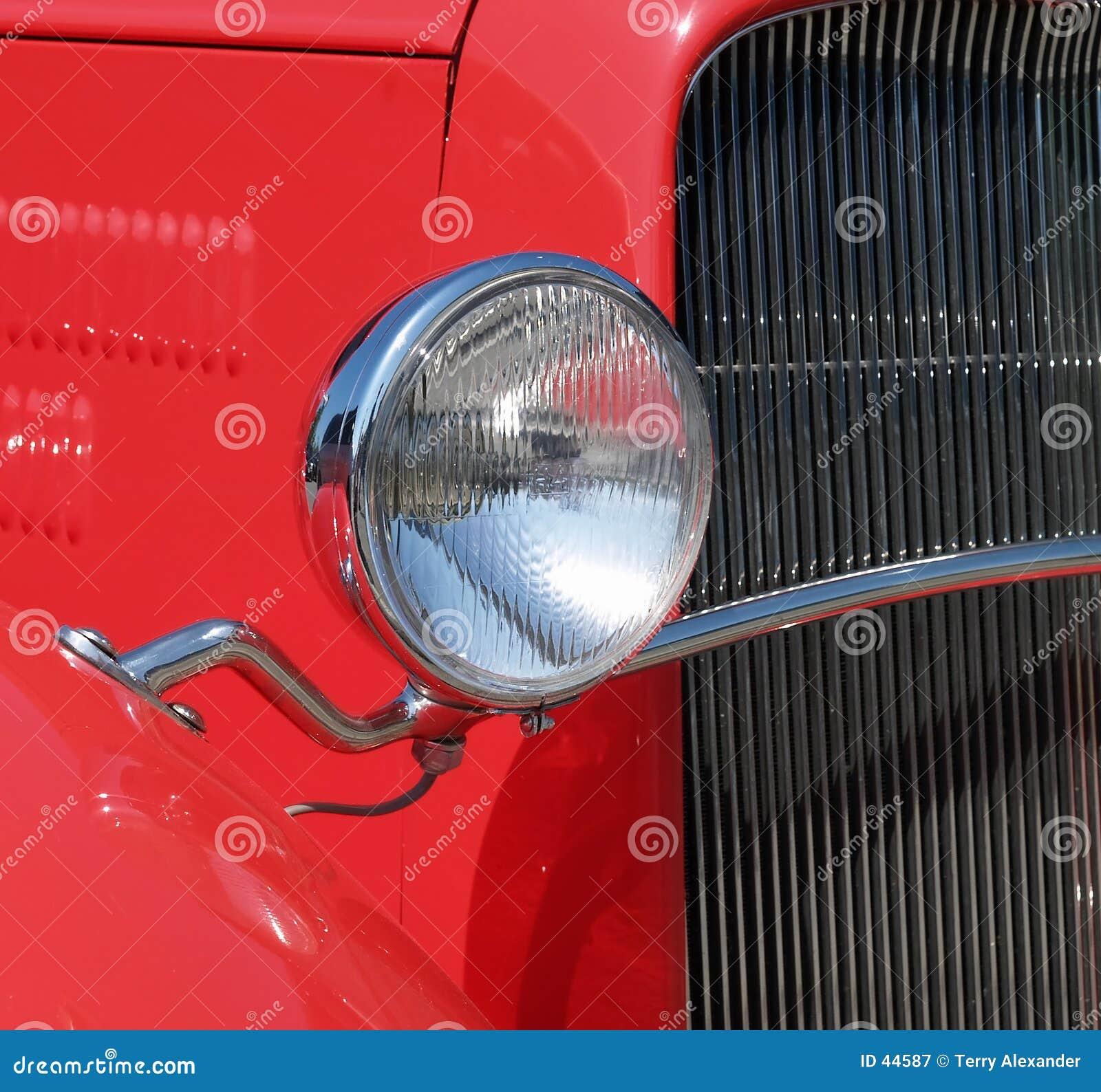 Antikes und kundenspezifisches Auto
