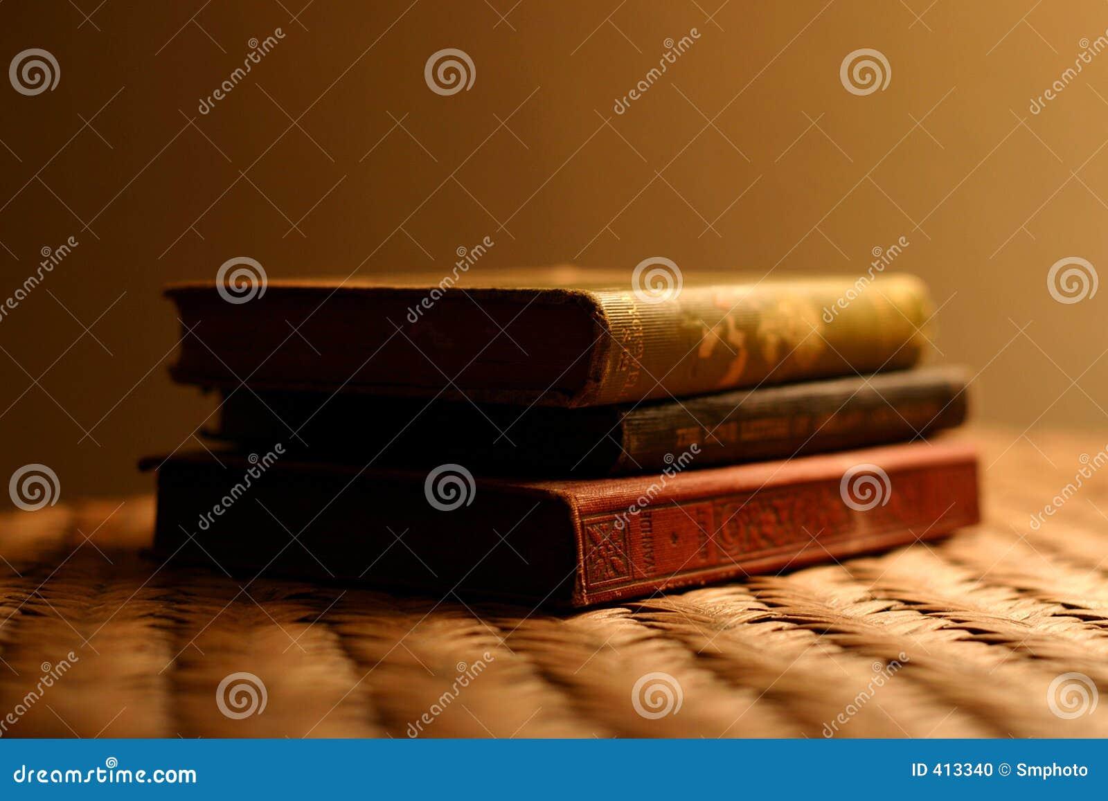 Antikviteten books tre