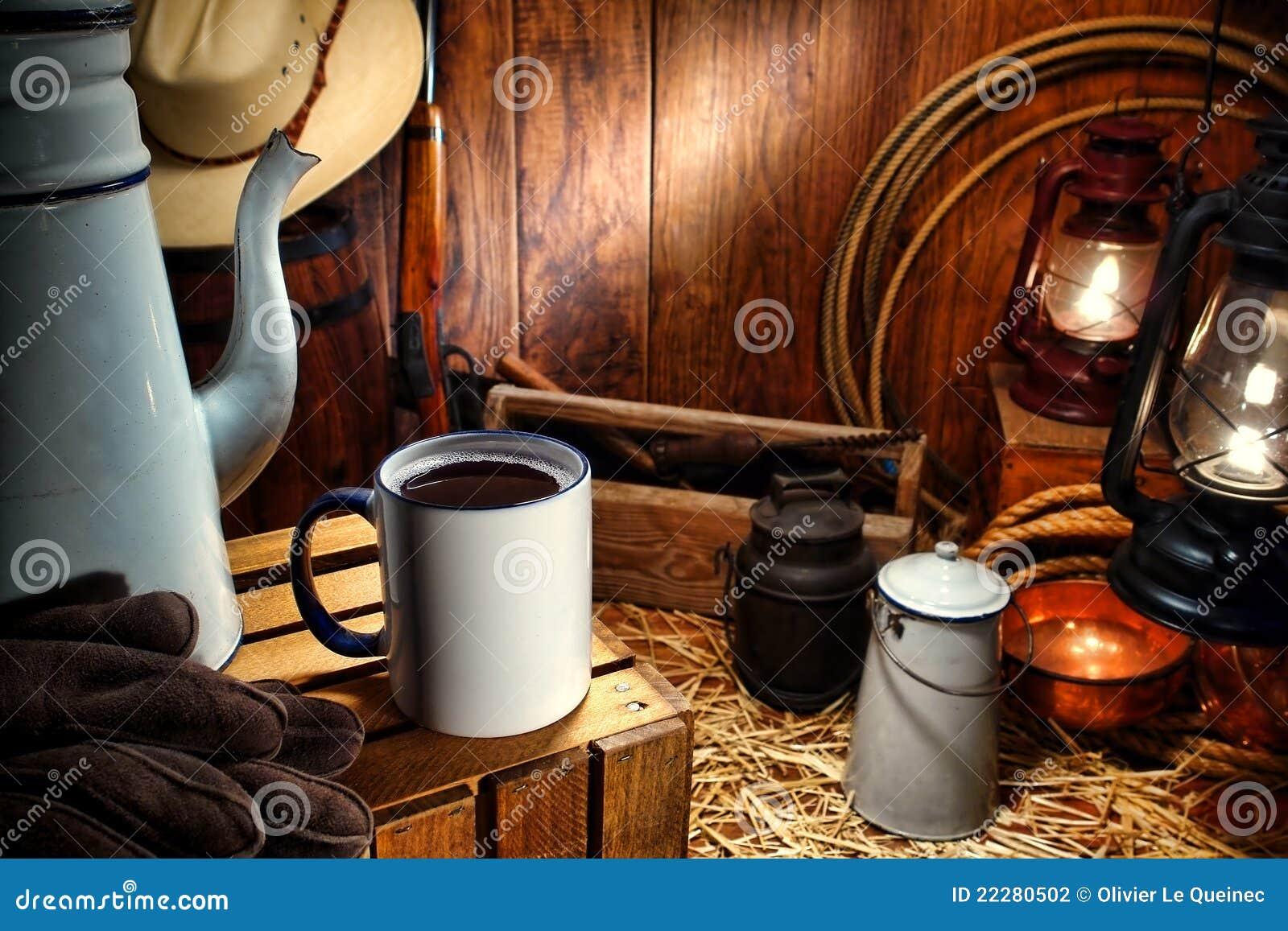 Antikviteten kastar kaffe rånar västra västra för gammal vagn