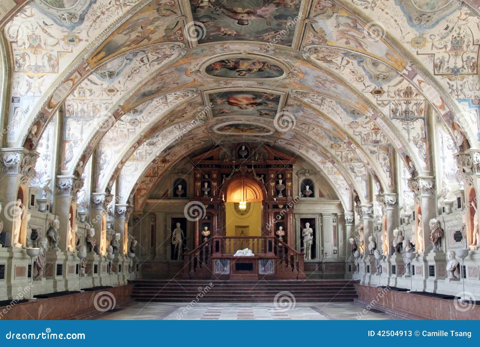 Antiquarium de résidence de Munich