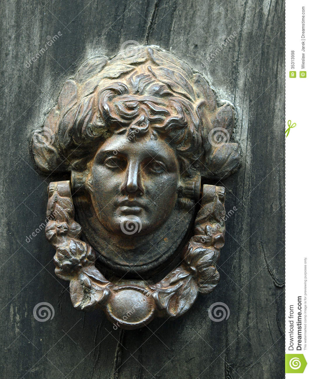 An Antique Door Knocker - An Antique Door Knocker Stock Photo. Image Of Luxury - 35313998