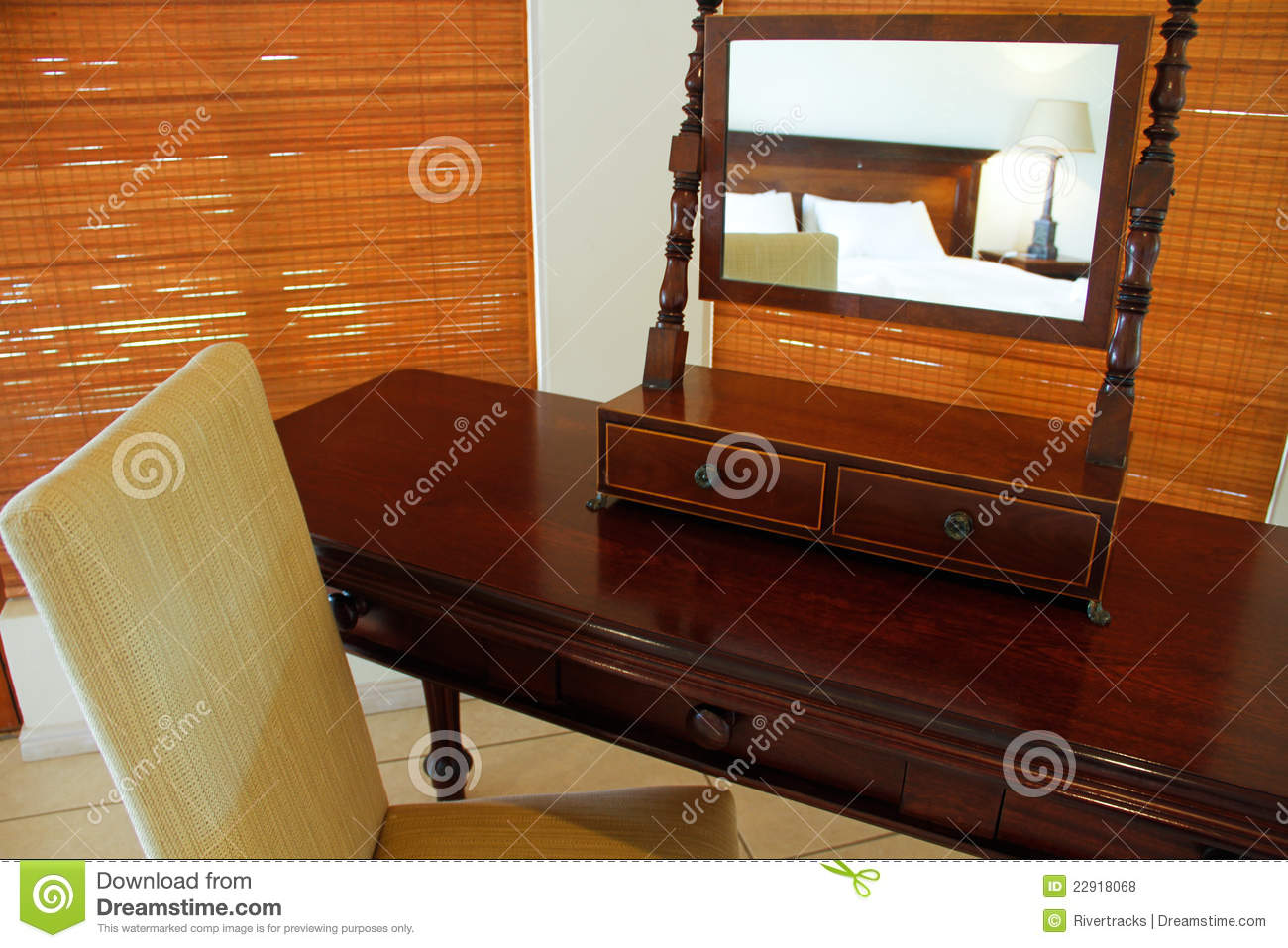 Antique dressing table with mirror - Antique Dressing Table With Mirror