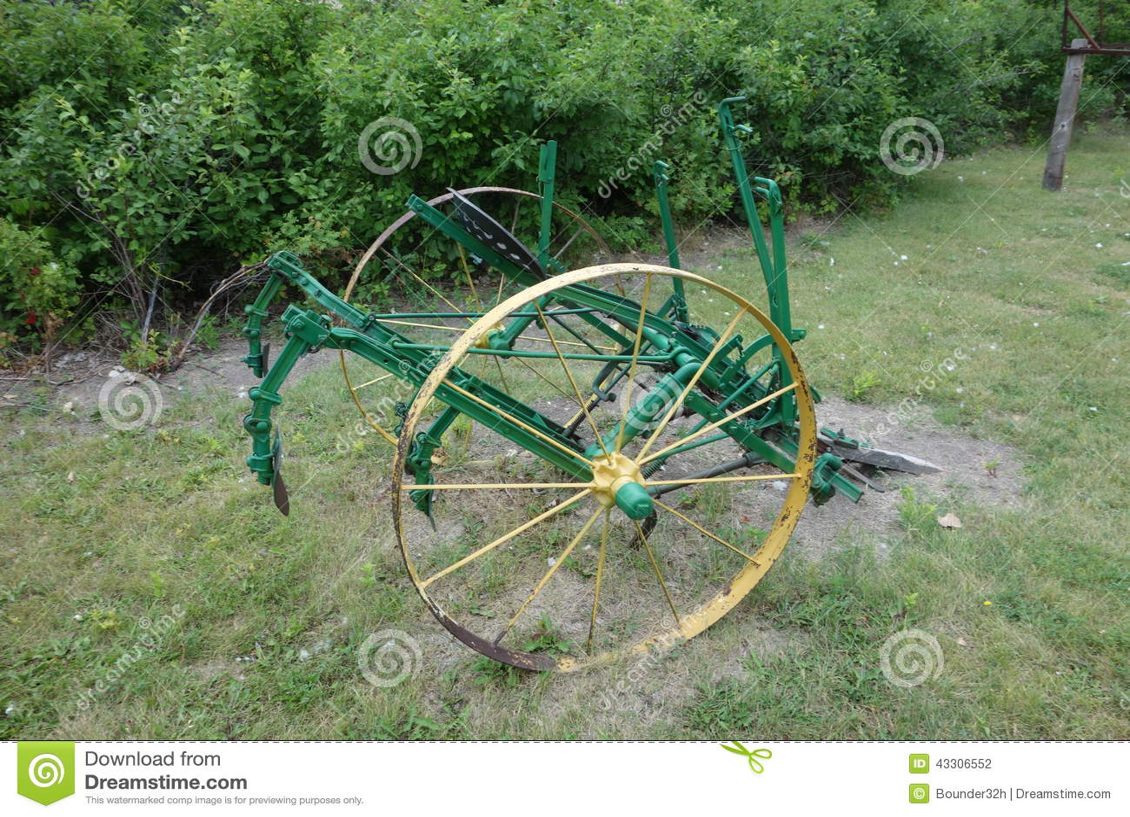 Old Fashioned Farm Eqipment