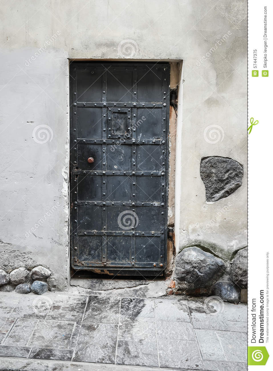 Antique iron door - Antique Iron Door Stock Image. Image Of Texture, Lattice - 57447375