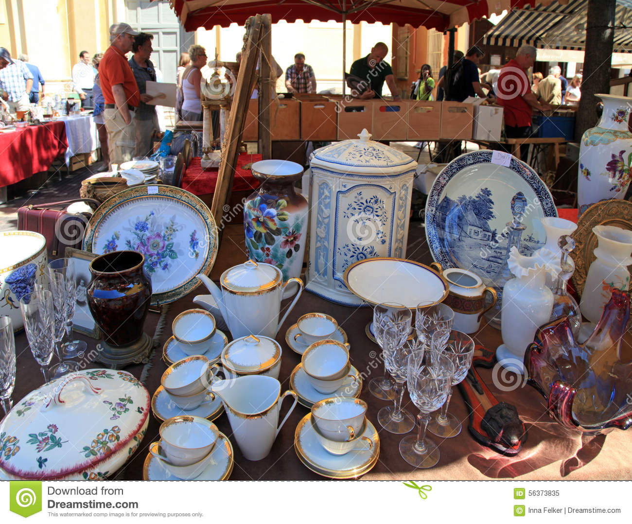 Antique market the cours saleya nice france editorial image image 56373835 - Decoration romaine antique ...