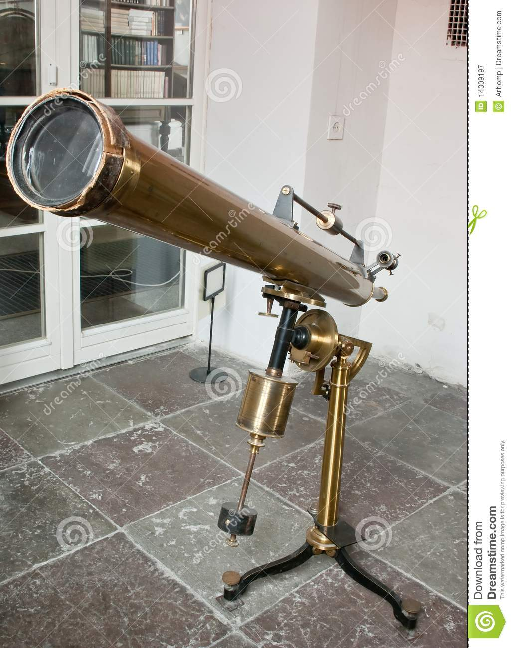 Antique mirror telescope stock image image of watching for Miroir telescope