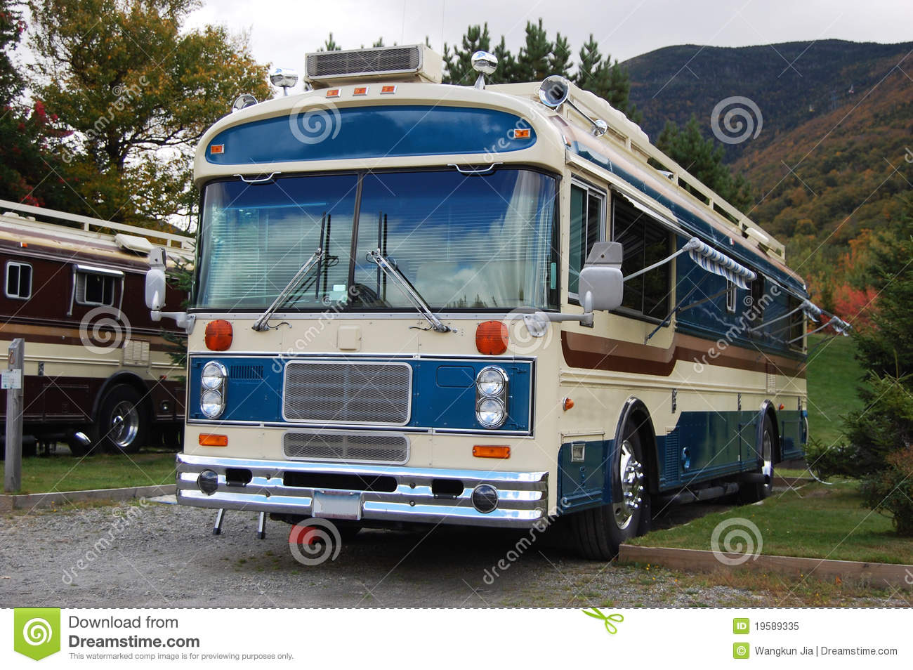 Antique Recreational Bus, New Hampshire, USA