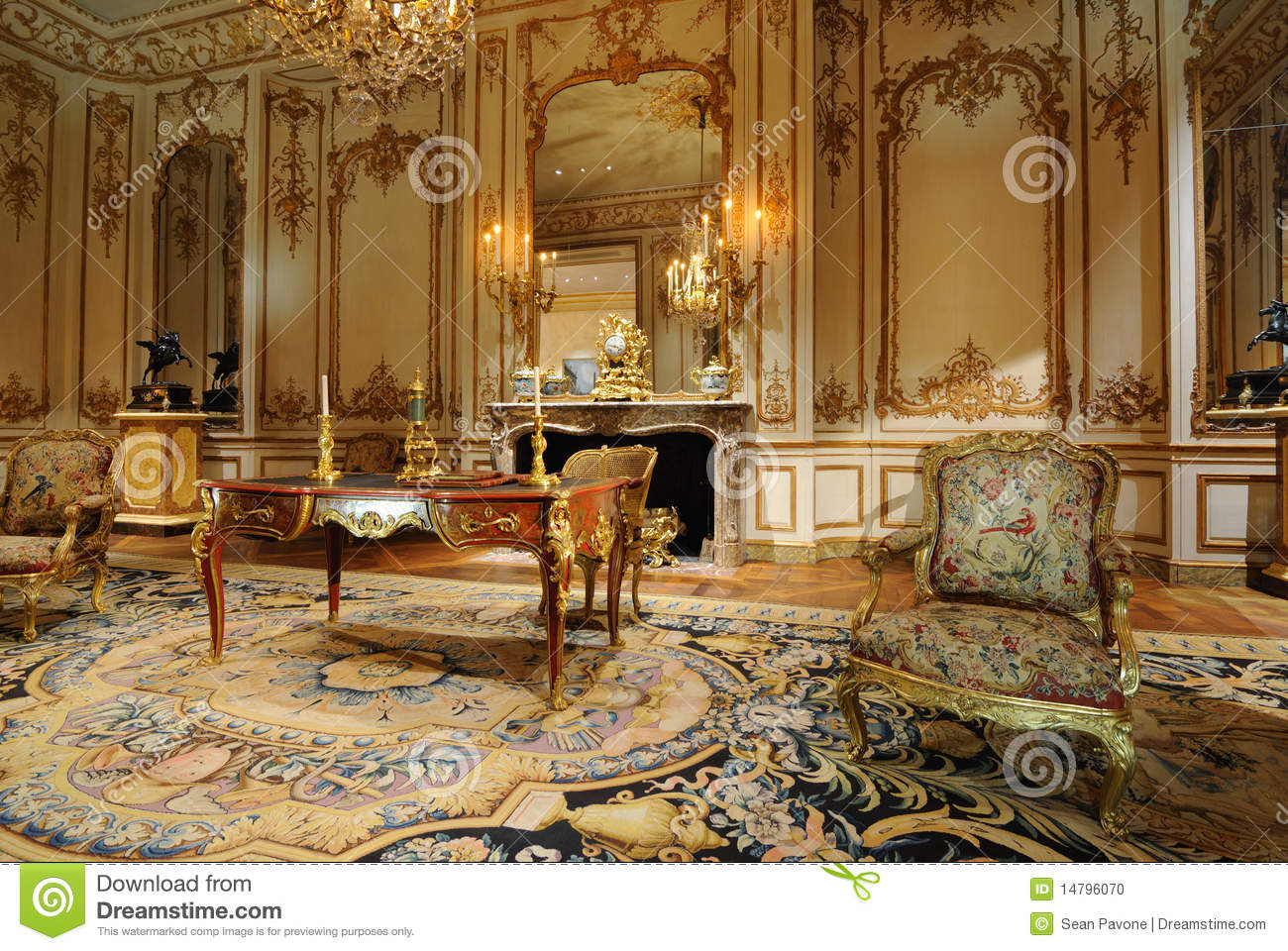 Antique Room - Antique Room Editorial Image. Image Of Room, French, Displays
