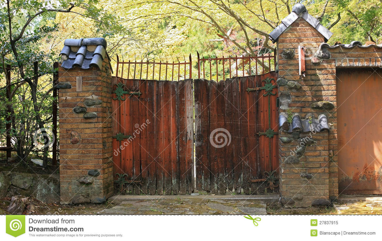 Antique Wooden Barn Gate Stock Image Image Of Gate Latch