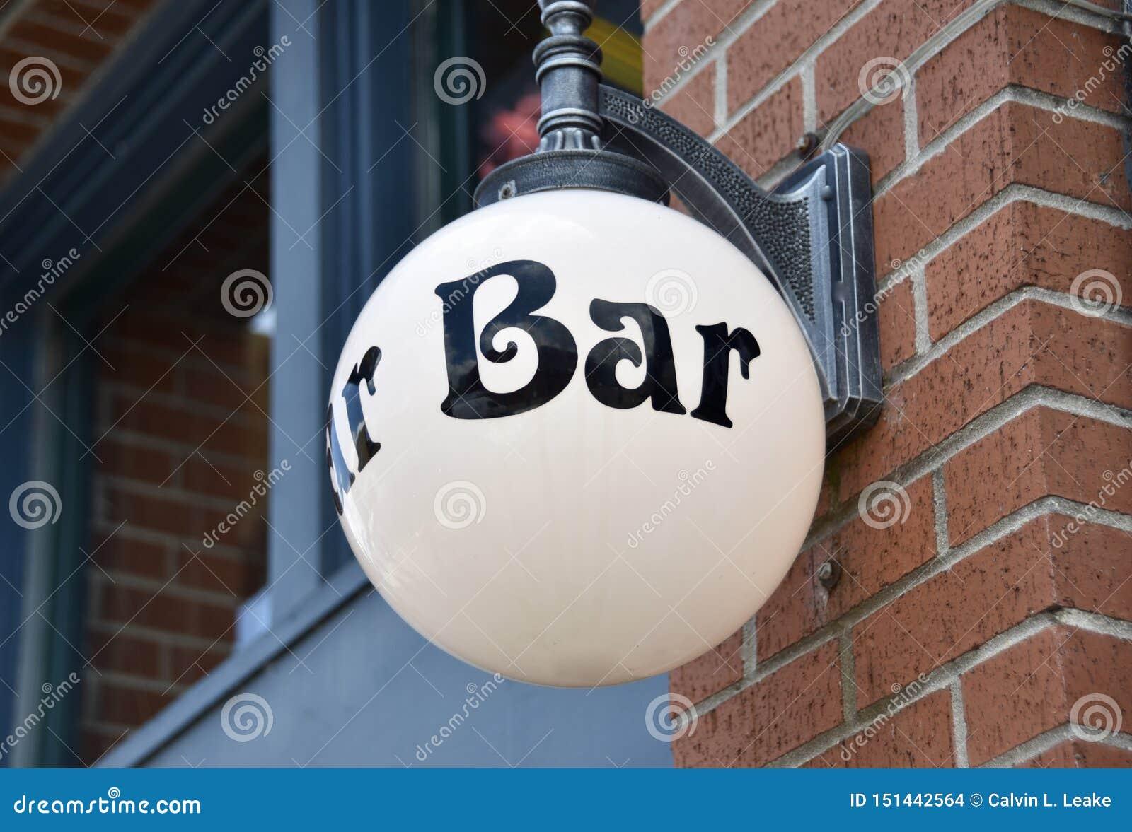 Antivari per il servizio dei cocktail, della birra e del cibo da mangiare con le mani