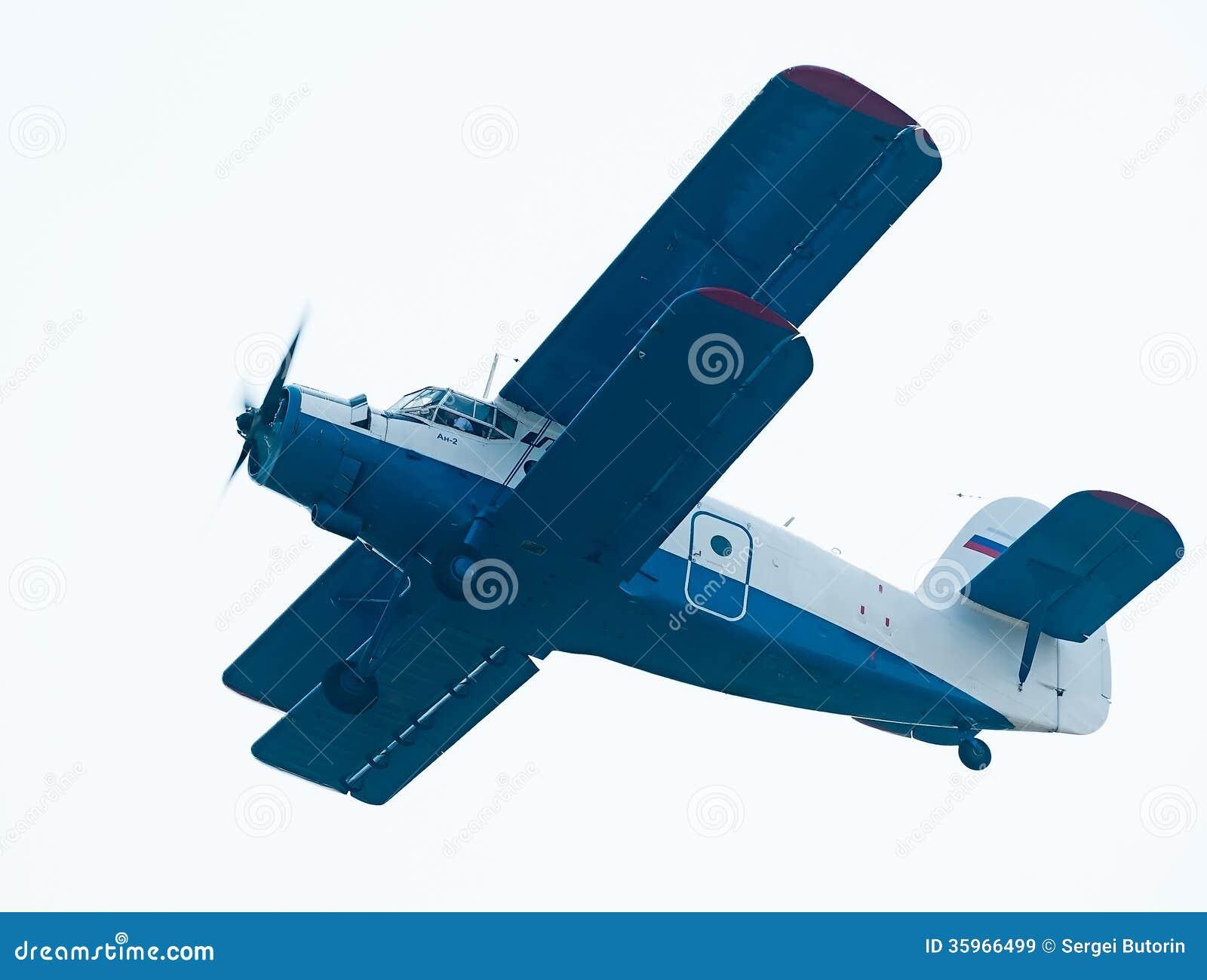 Antonov un aeroplano 2