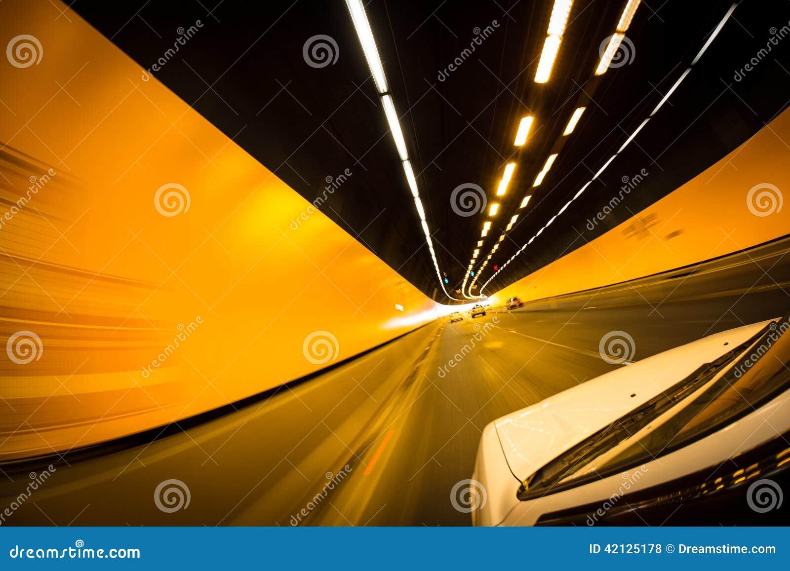 Antreiben durch Tunnel