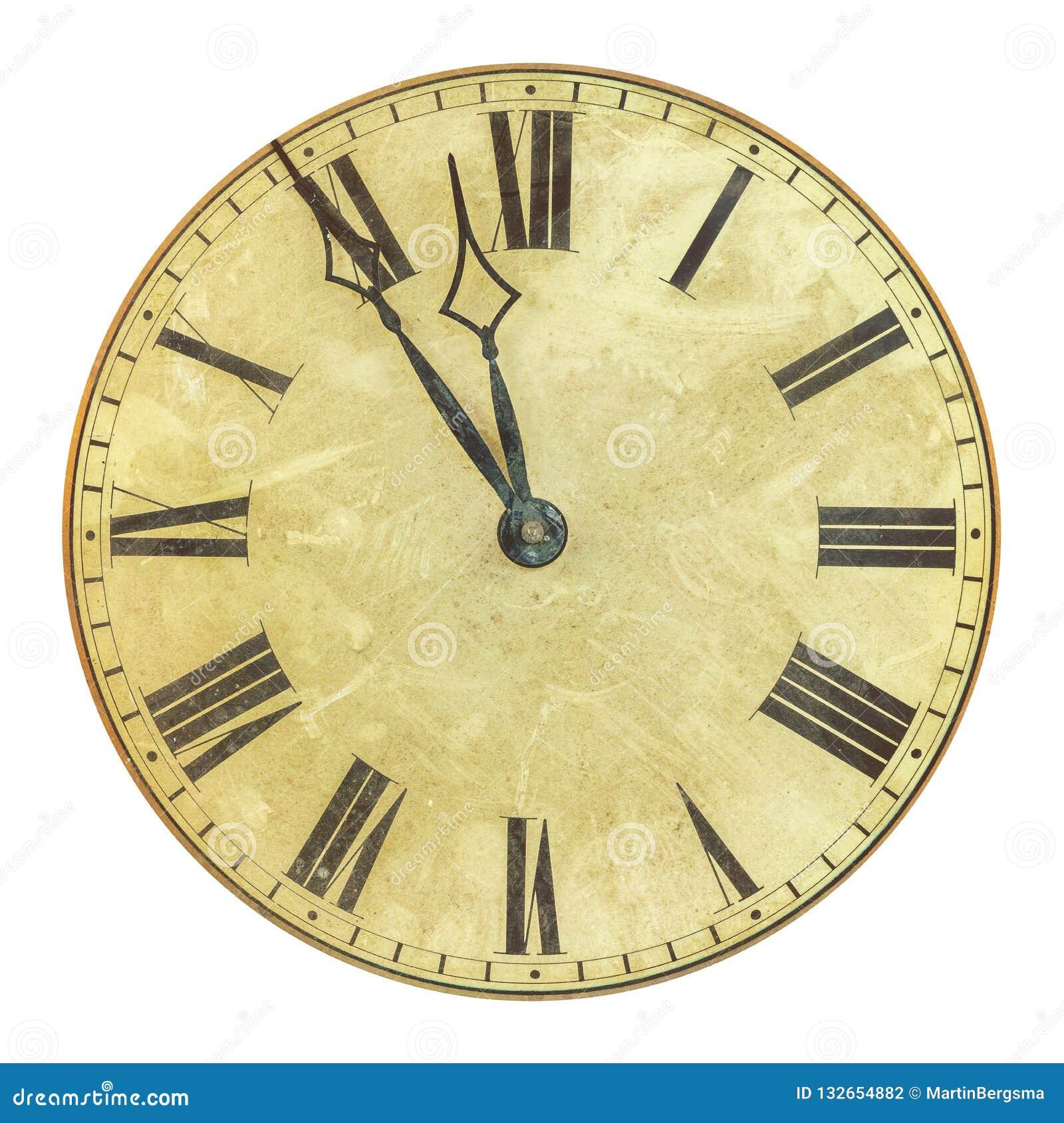 Antyczna wietrzejąca zegarowa twarz z czasem pięć, dwanaście