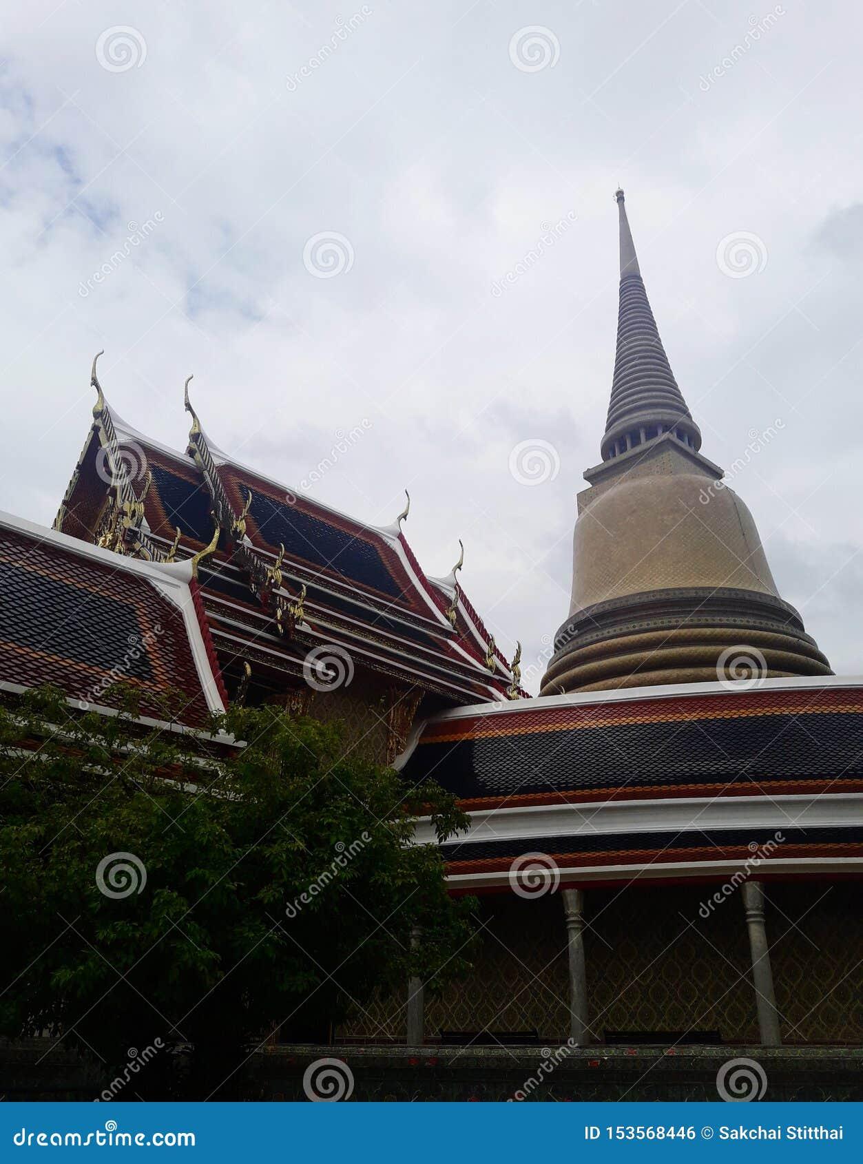 Antyczna złota pagoda w Bangkok, Tajlandia