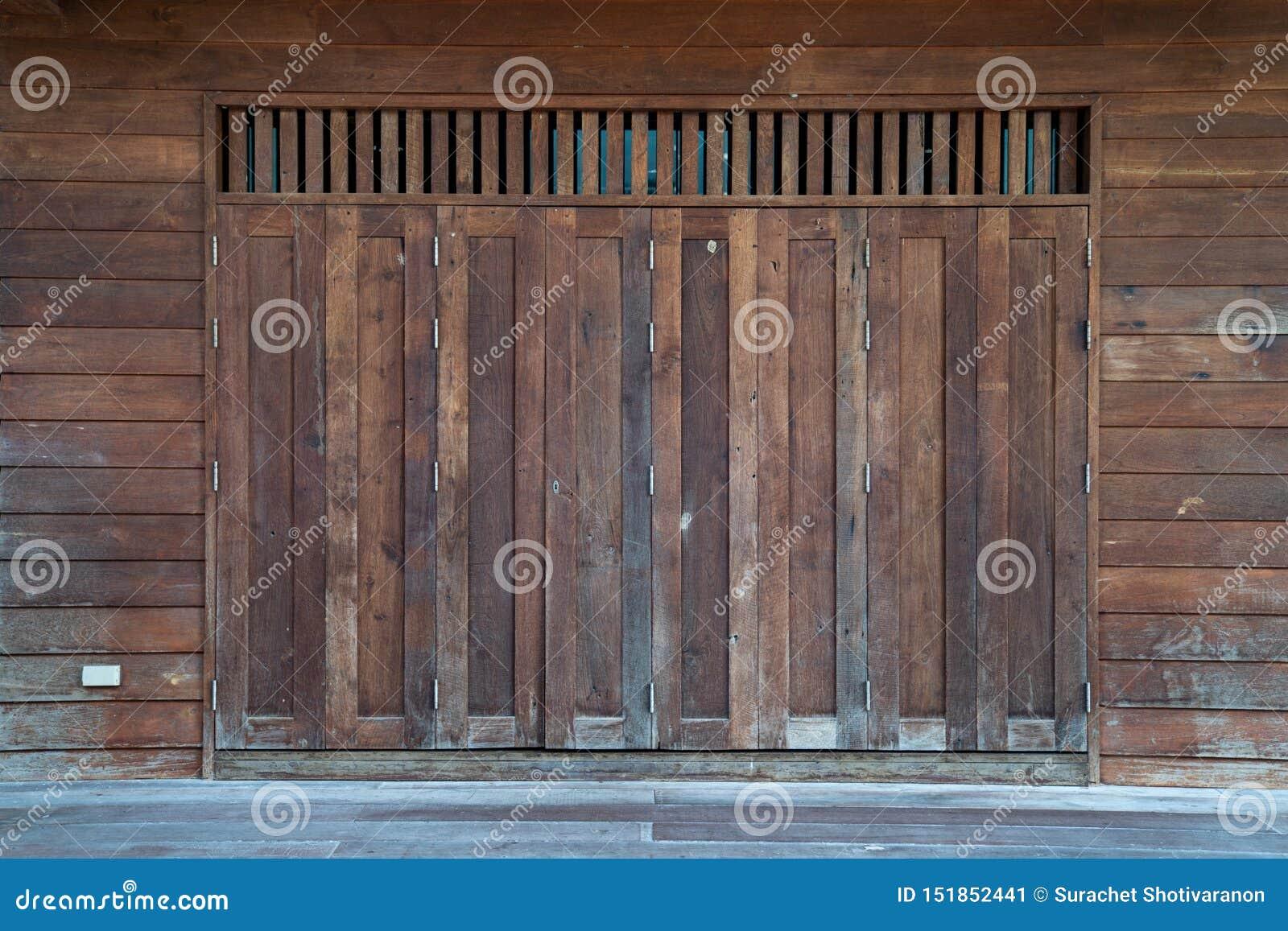 Antycznego Azjatyckiego rocznika drewniany okno, Tajlandia