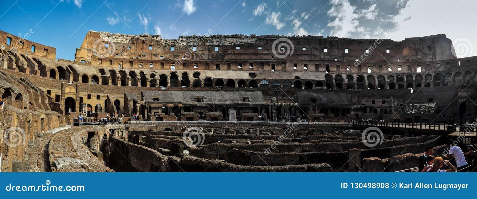 Antyczny rzymski Colosseum szczegół w Rzym, Włochy
