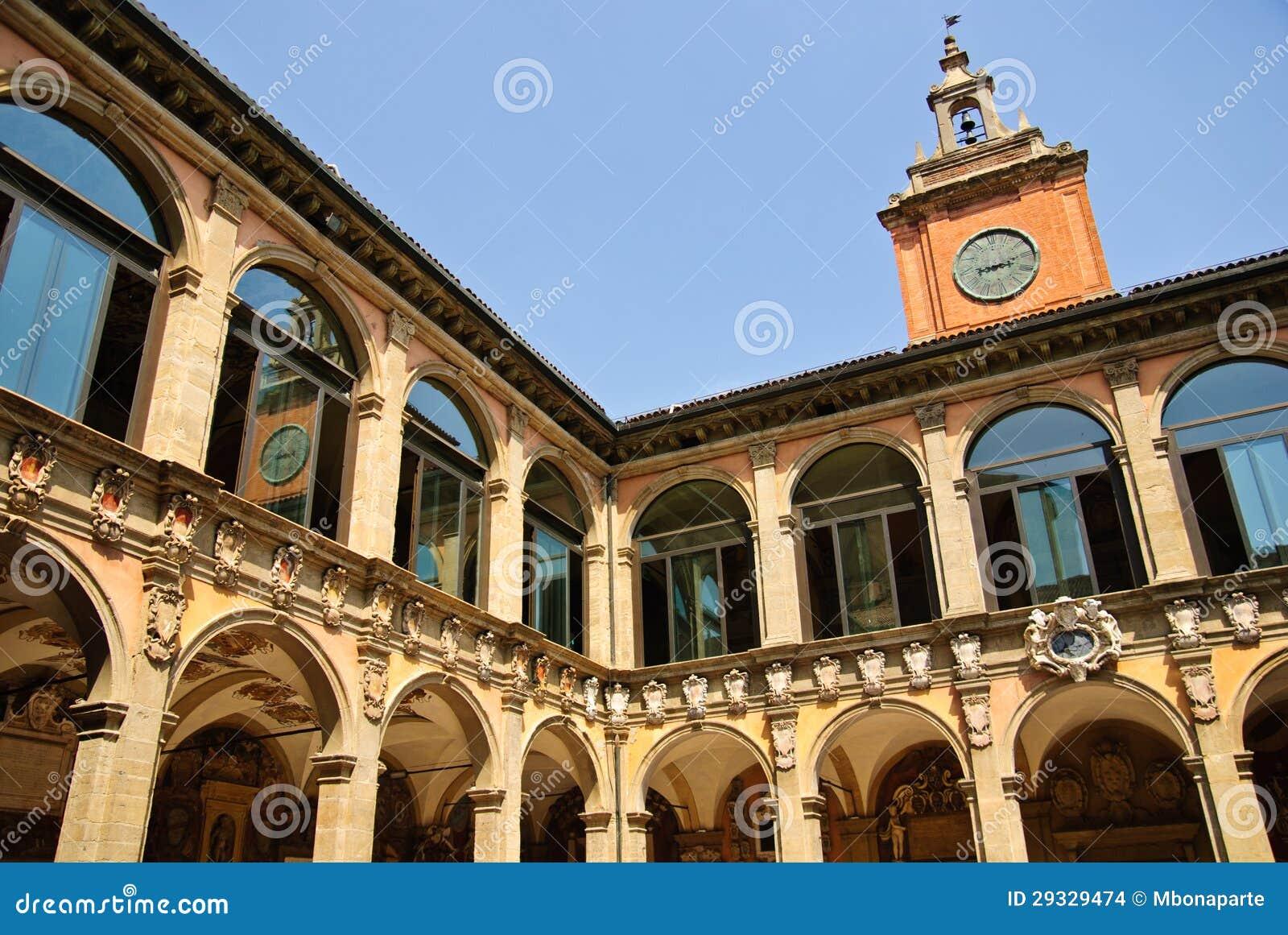 Antyczny uniwersytet Bologna - główny podwórze