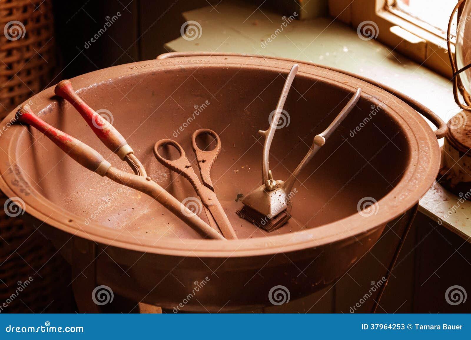Antykwarscy fryzjerów męskich narzędzia