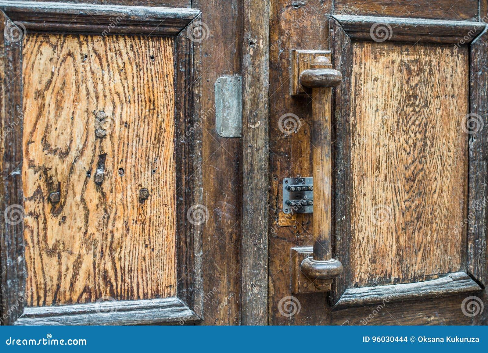 Antykwarska klamki drzwi