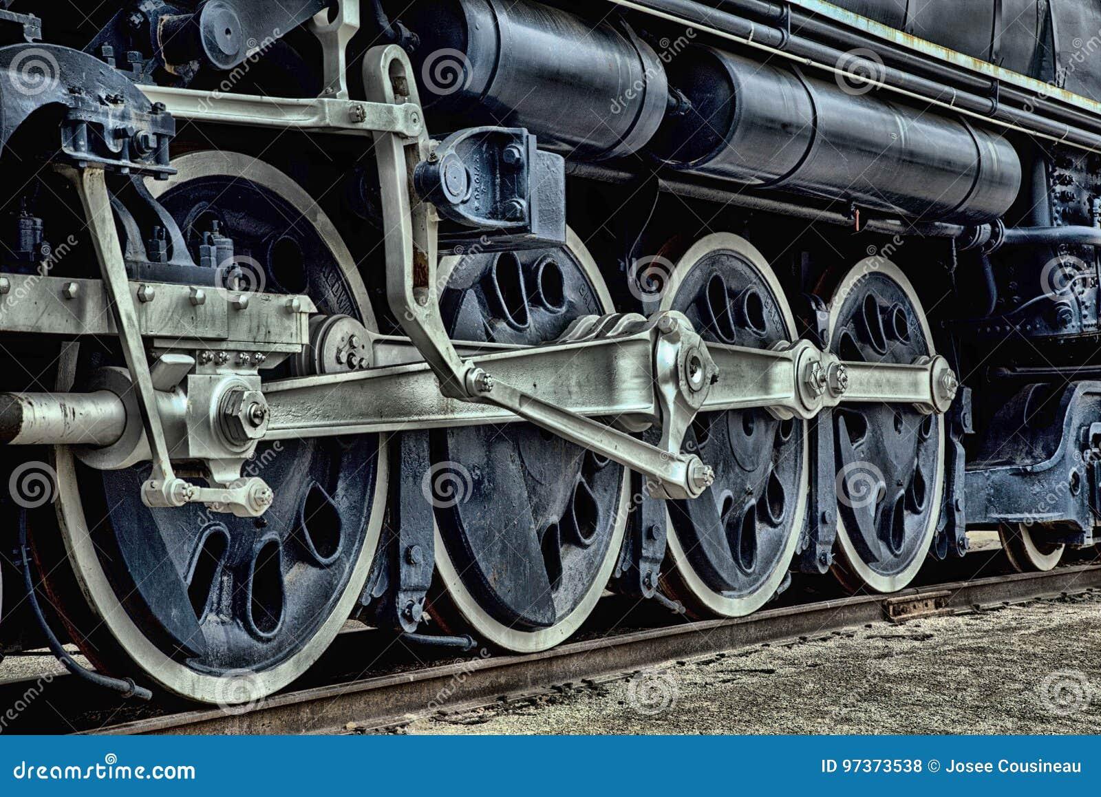 Antykwarski błękita pociąg na kolei