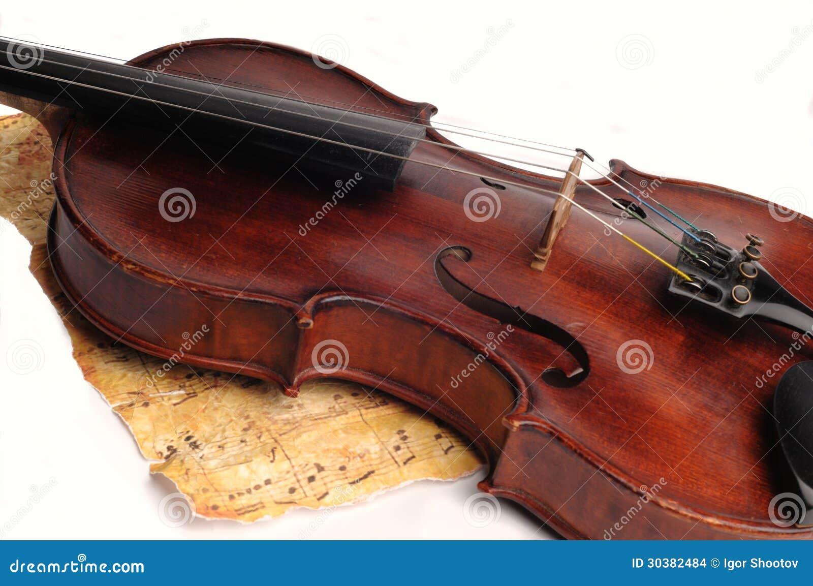 Antykwarski skrzypce
