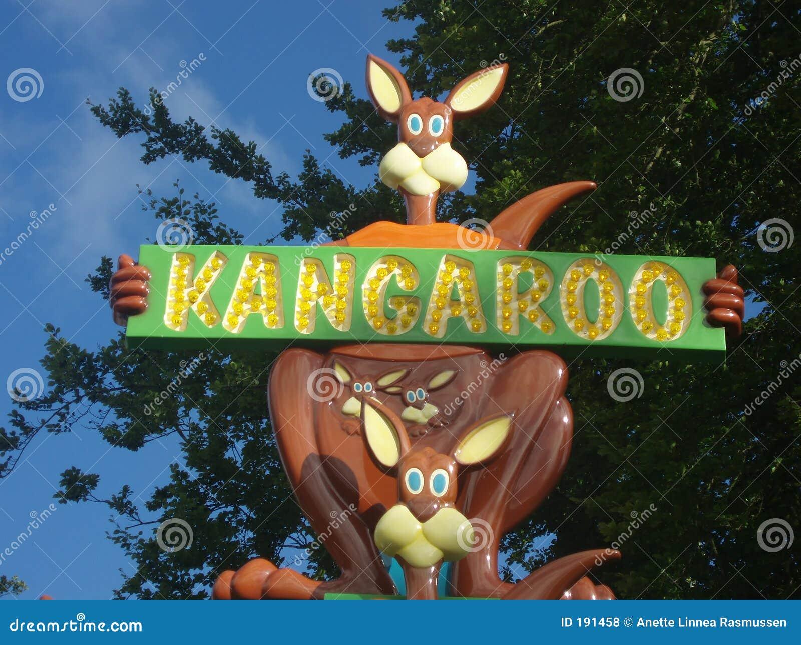Anuncio del canguro en parque de la diversión