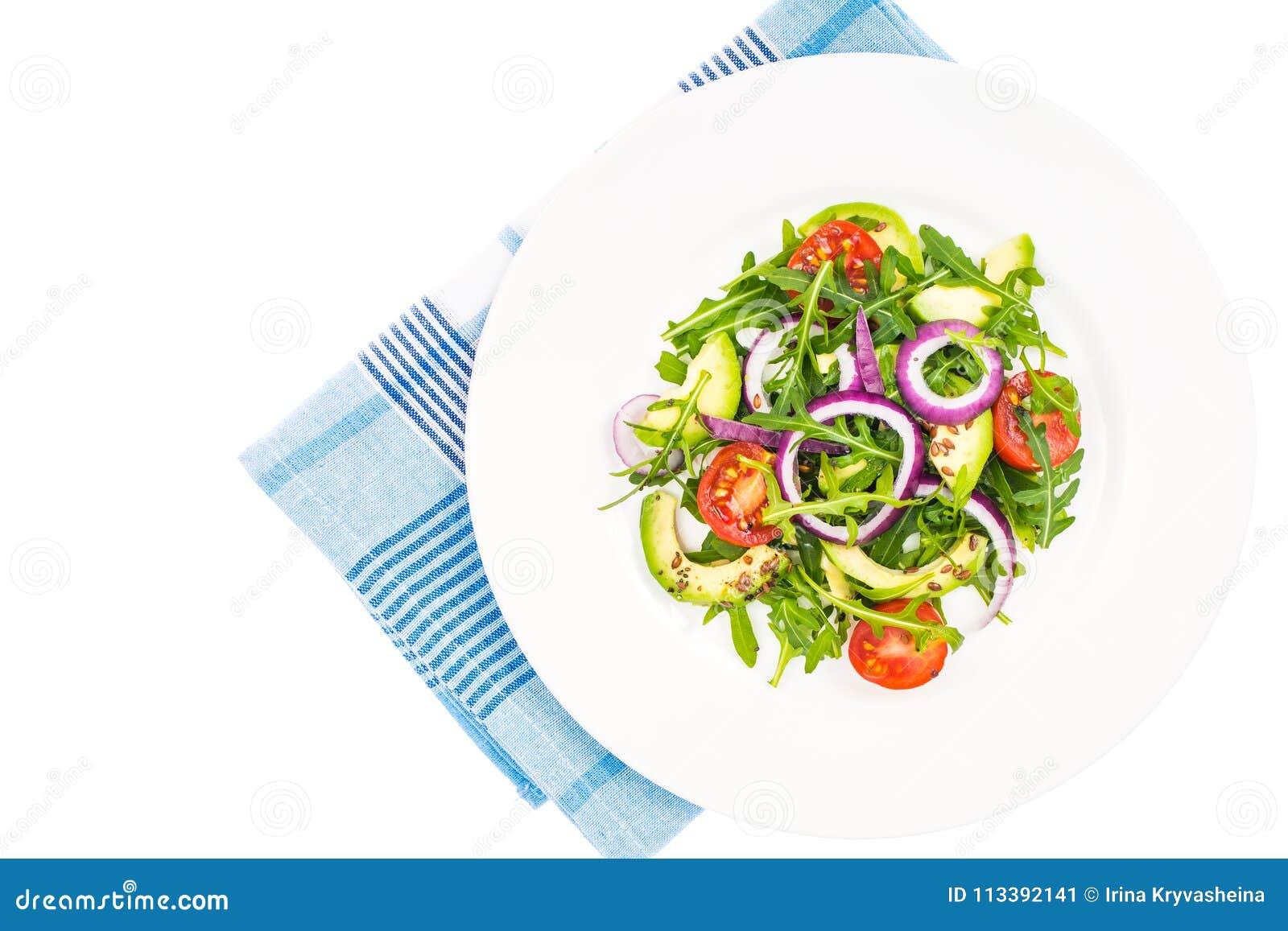 Användbara sallader med avokadot och nya grönsaker Begreppet av sunt bantar