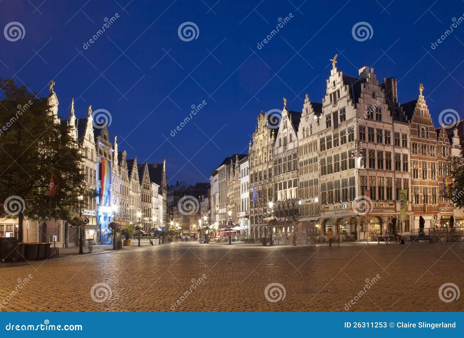 Anversa entro Night