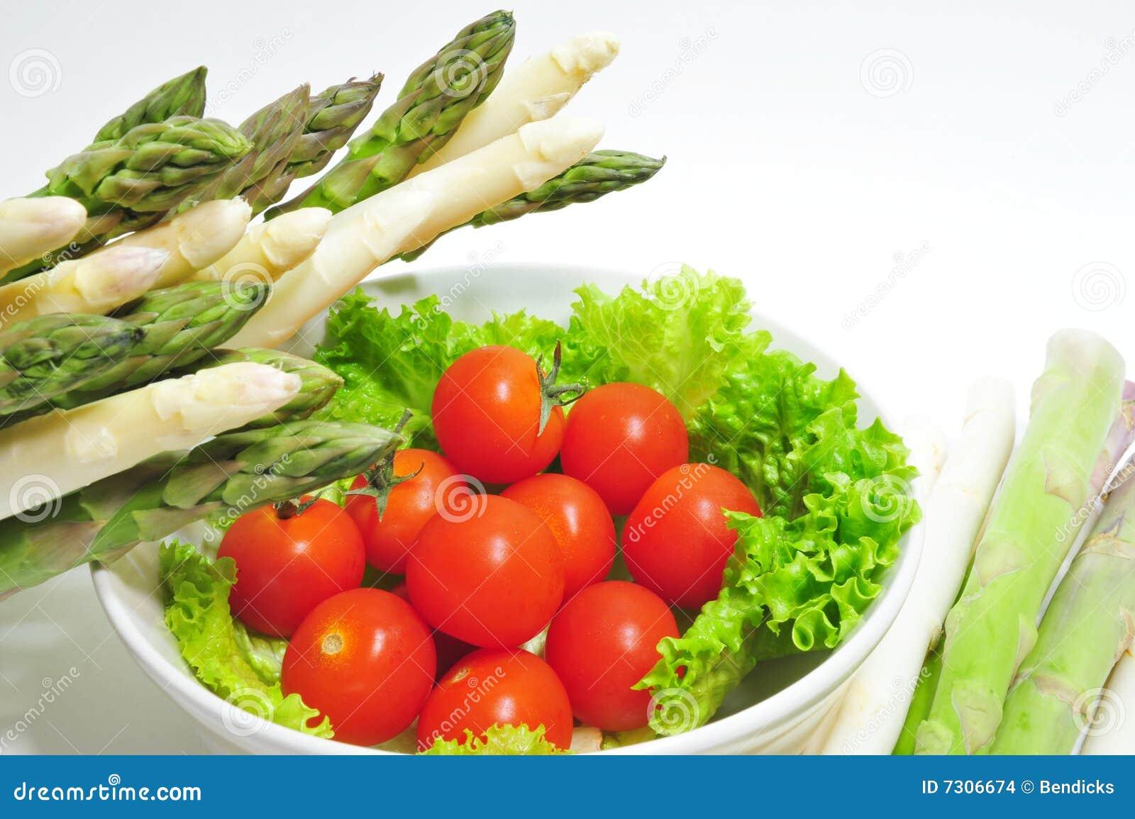Aparagus e pomodori