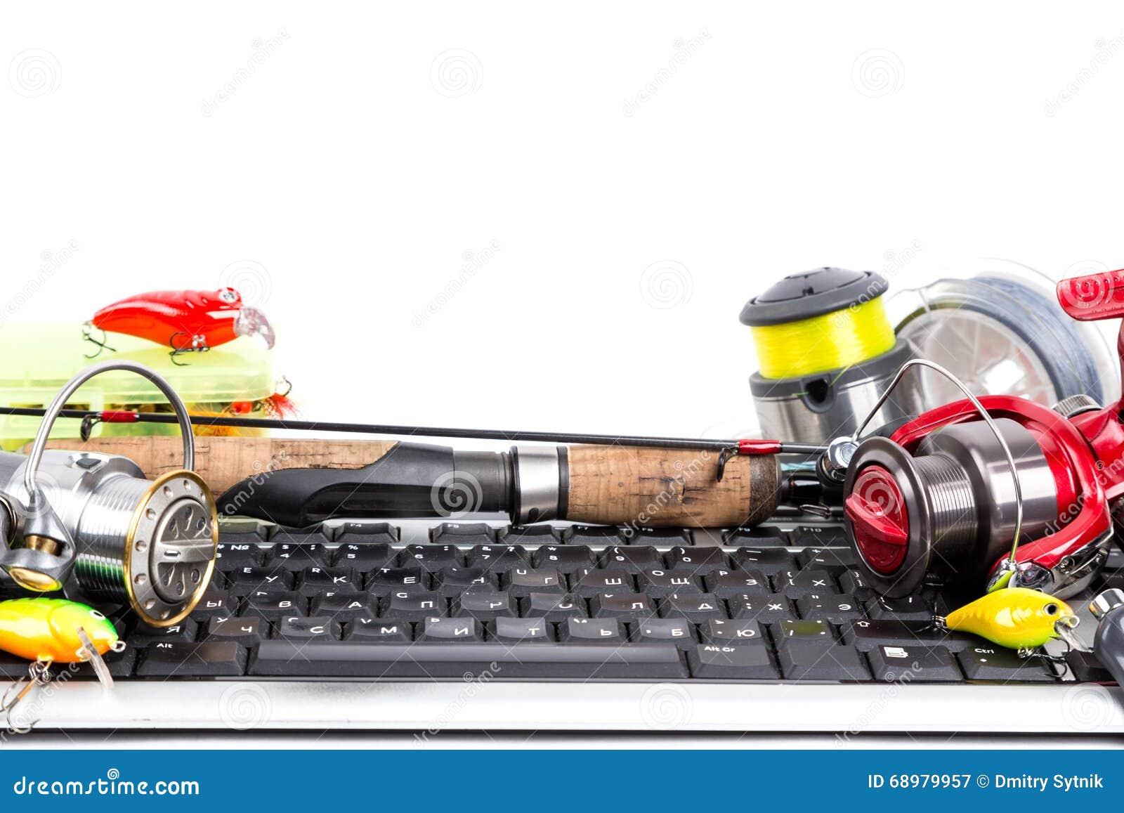 Aparejos de pesca en el teclado de ordenador