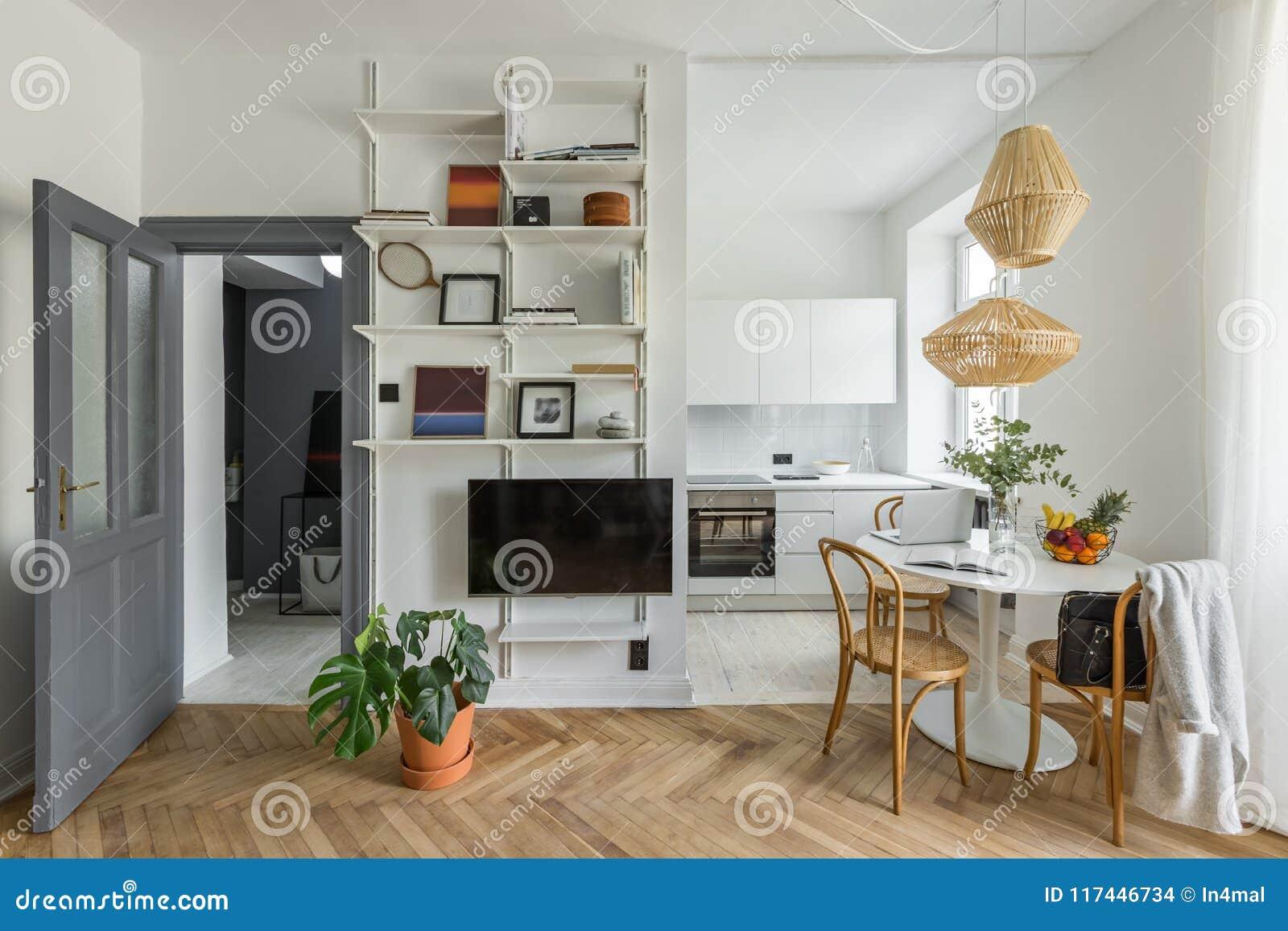 Apartamento con la cocina abierta
