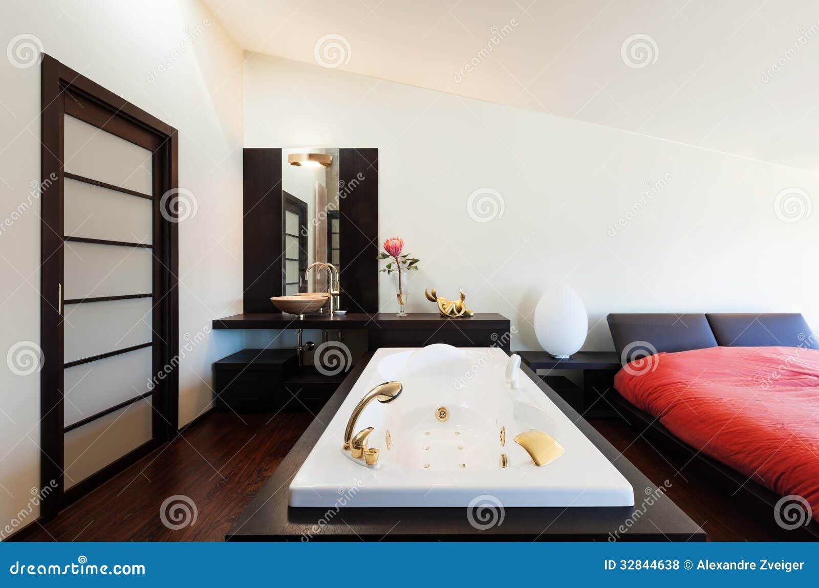 Apartamento de lujo interior jacuzzi foto de archivo for Jacuzzi para interior