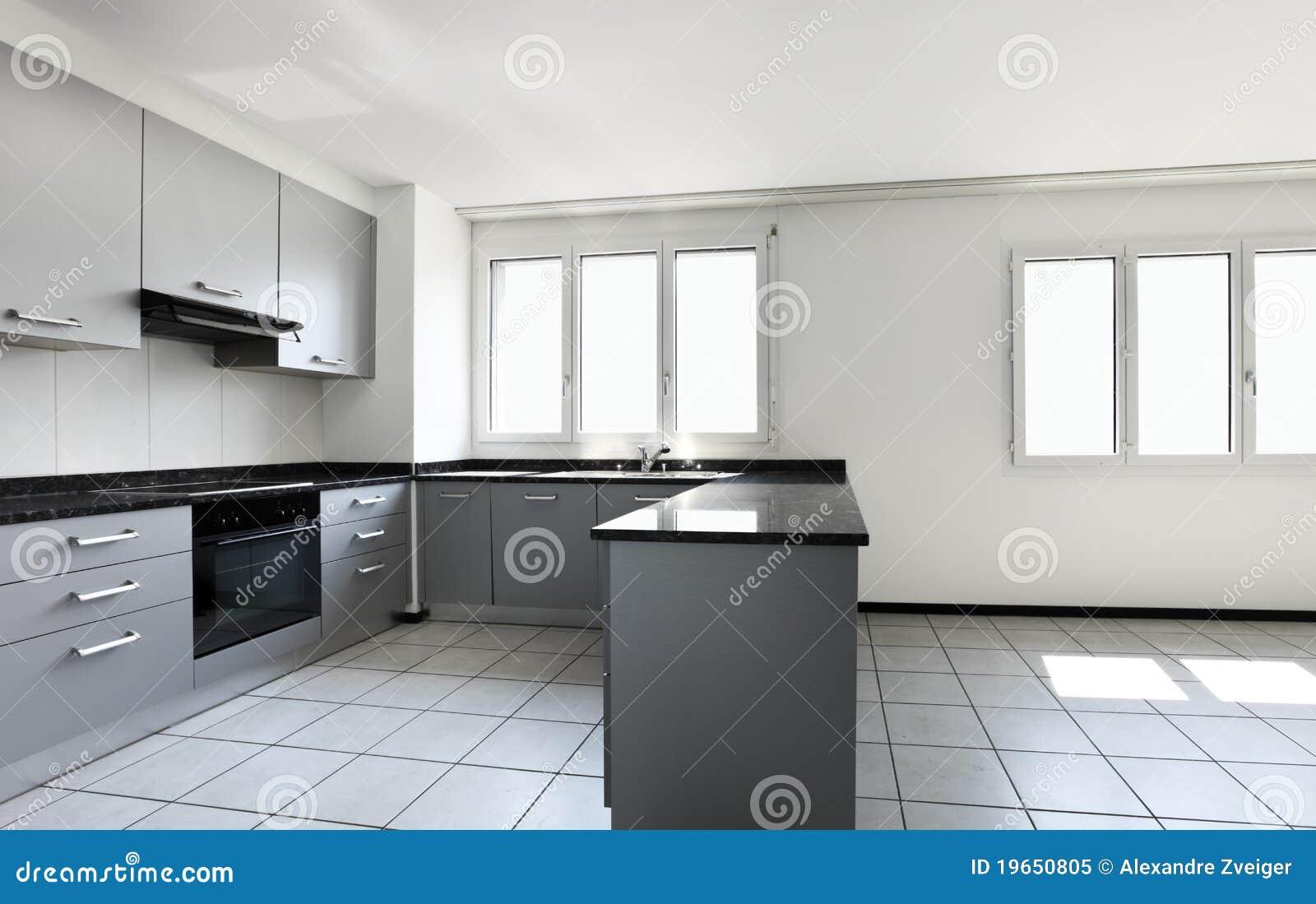 Apartamento Novo Cozinha Vazia Foto de Stock Royalty Free Imagem  #81A229 1300 909