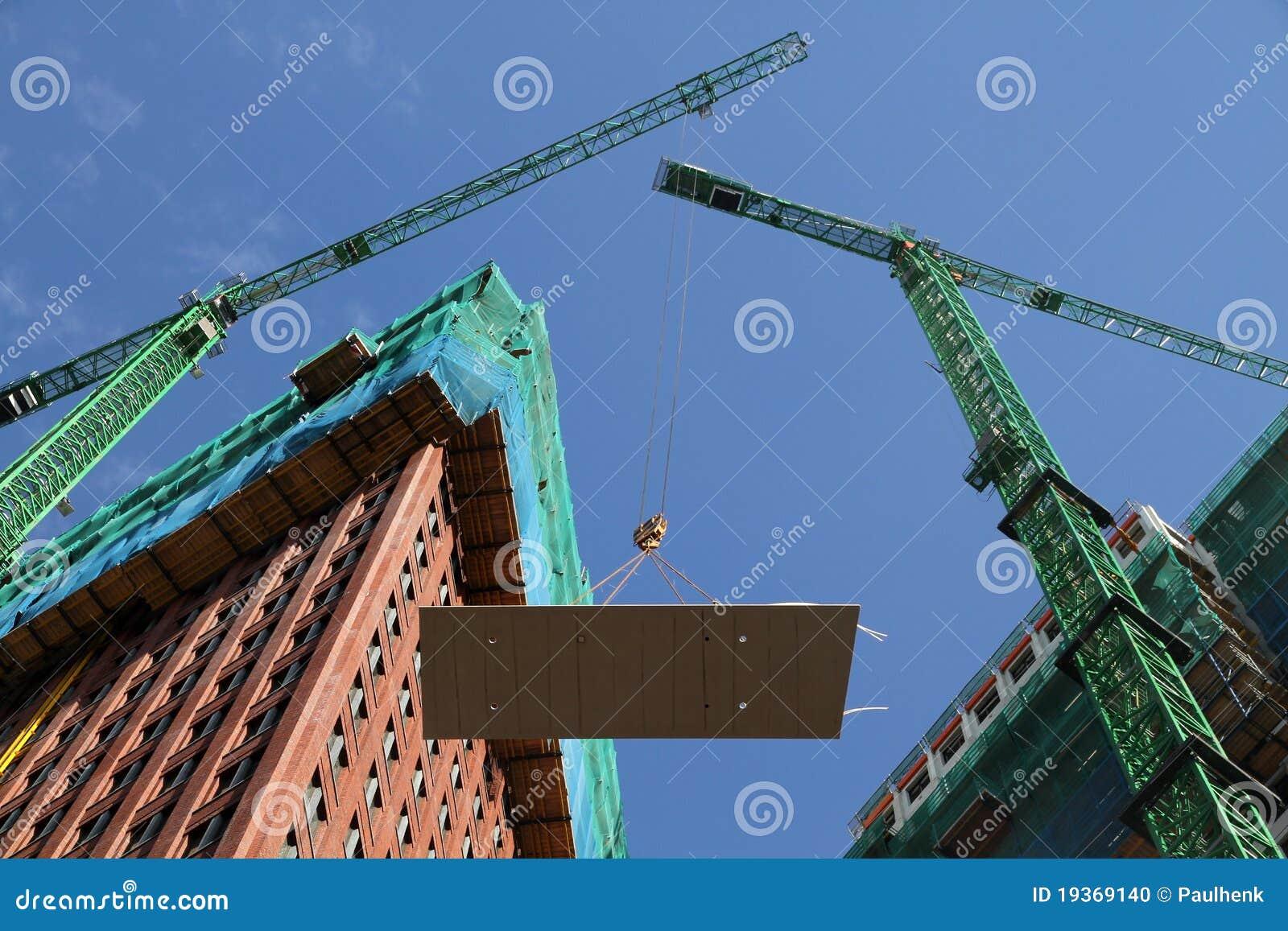 Apartamentos em prédio alto do edifício
