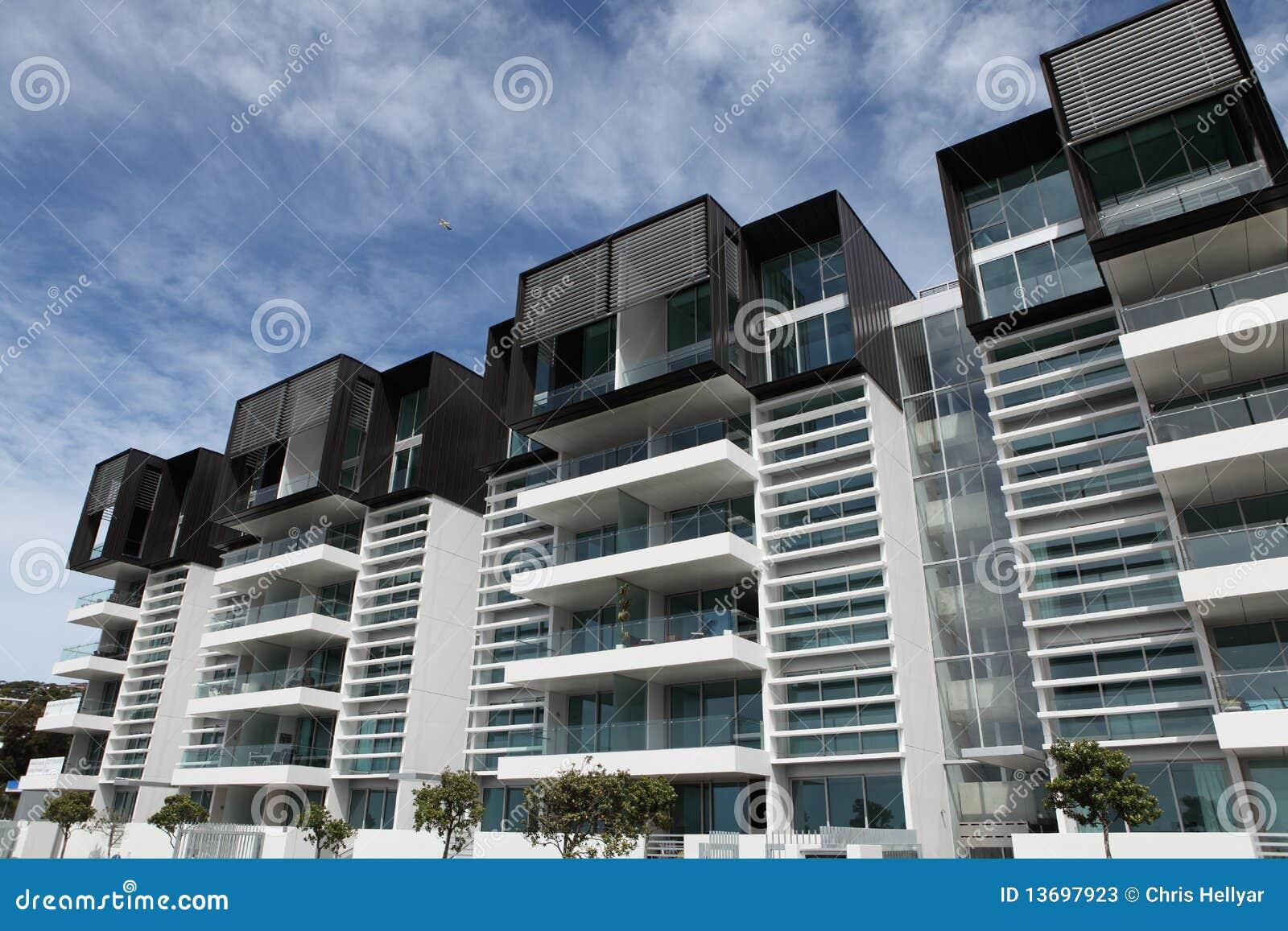 Apartamentos modernos fotos de stock imagem 13697923 for Fotos apartamentos modernos