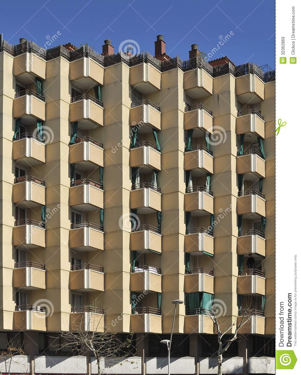 Barcelona Apartment Building: Apartment Building In Central Barcelona. Spain Royalty