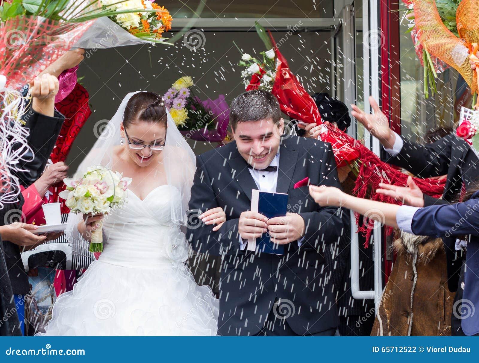 Apenas pares que se casan casados