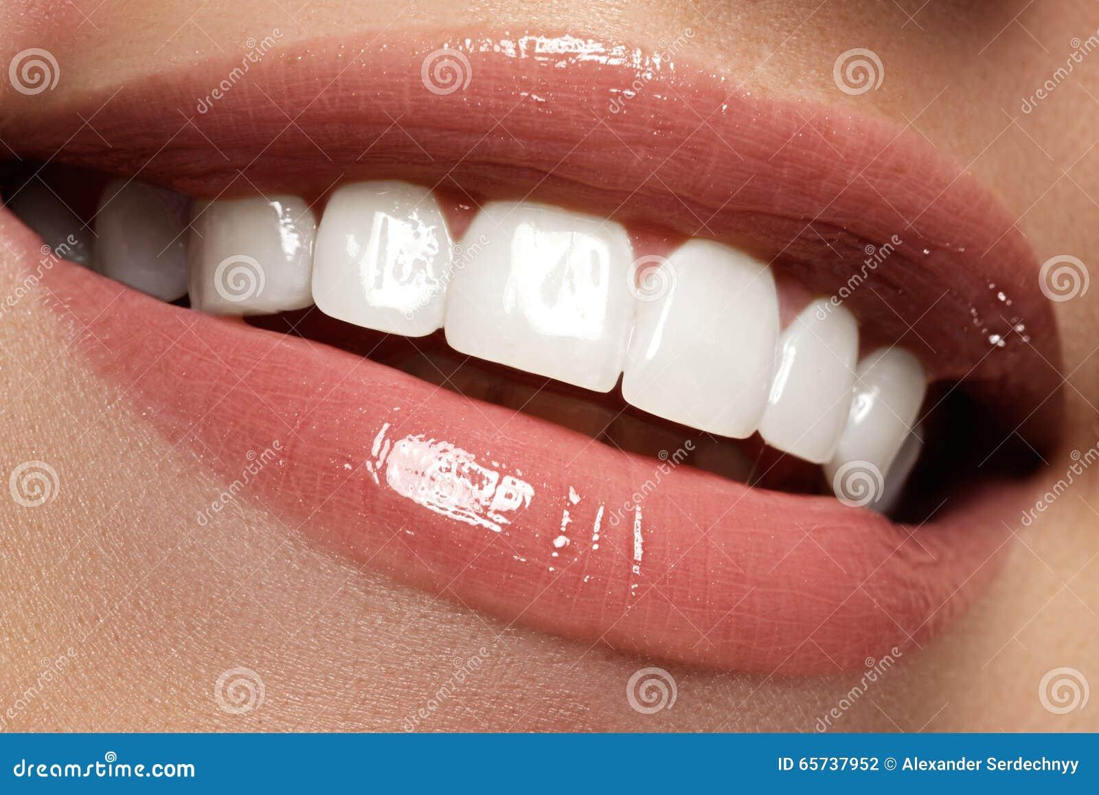 Aperfeiçoe o sorriso antes e depois do descoramento Os cuidados dentários e claream