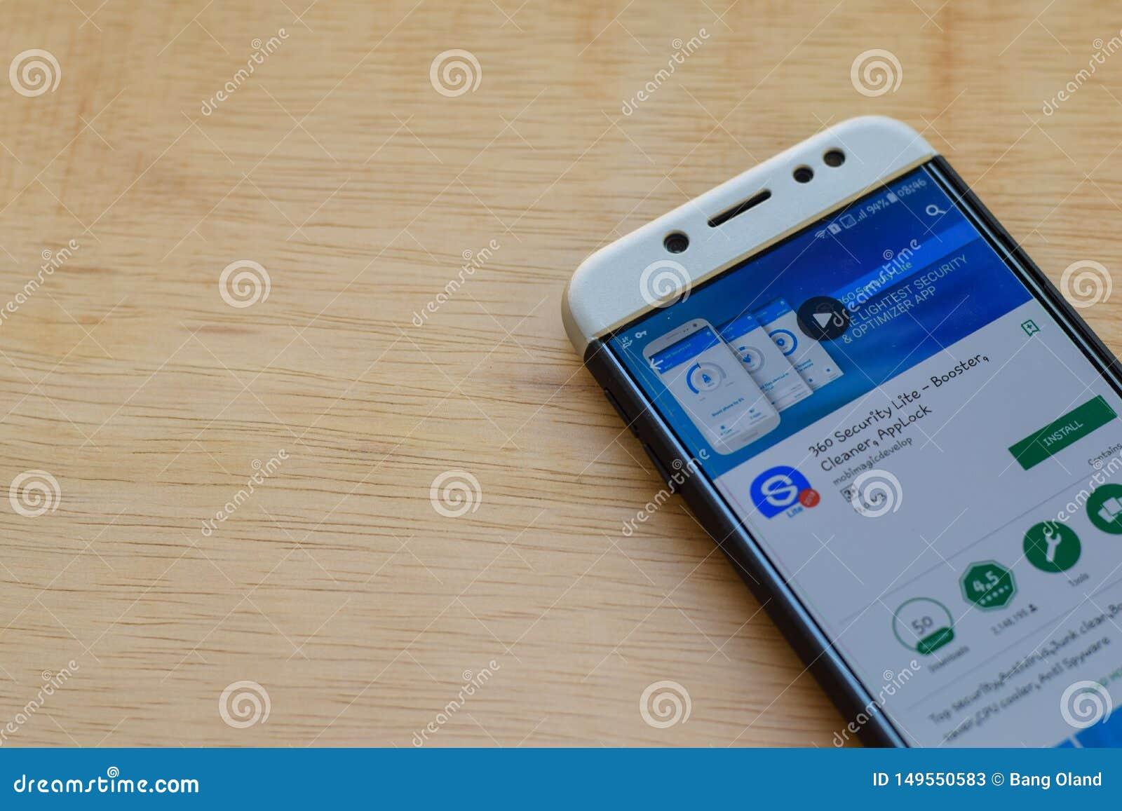 Aplicação do colaborador de Lite de 360 seguranças na tela de Smartphone O impulsionador, líquido de limpeza, Applock é um web br