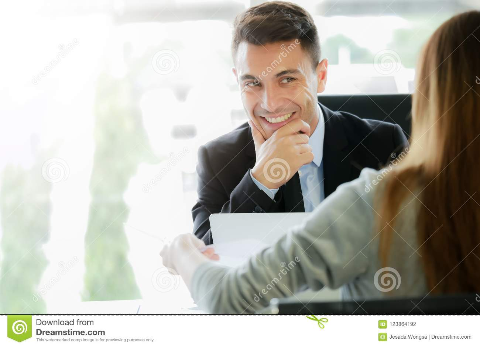 Aplicando-se para o trabalho novo, conceito da oportunidade da carreira: Entrevistas representativas executivas da gestão ou do r