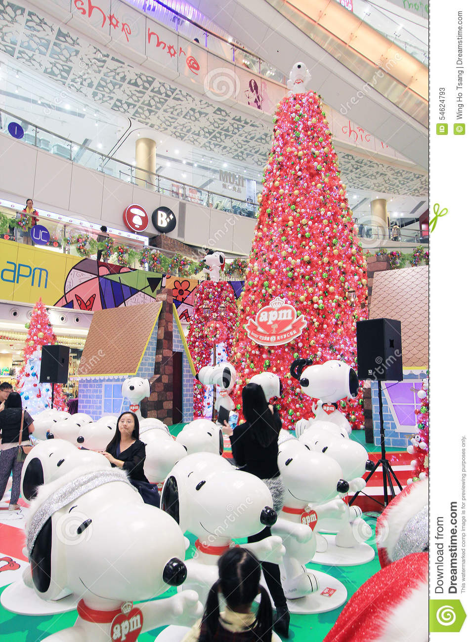 Christmas Snoopy.Apm Christmas Snoopy Decoration In Hong Kong Editorial Stock