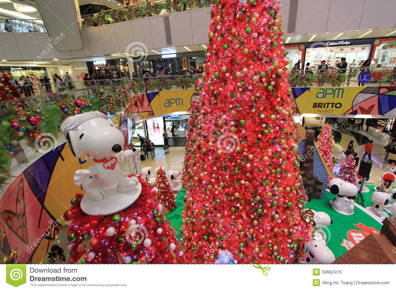 download apm snoopy christmas decoration in hong kong editorial image image of decorations shoppers