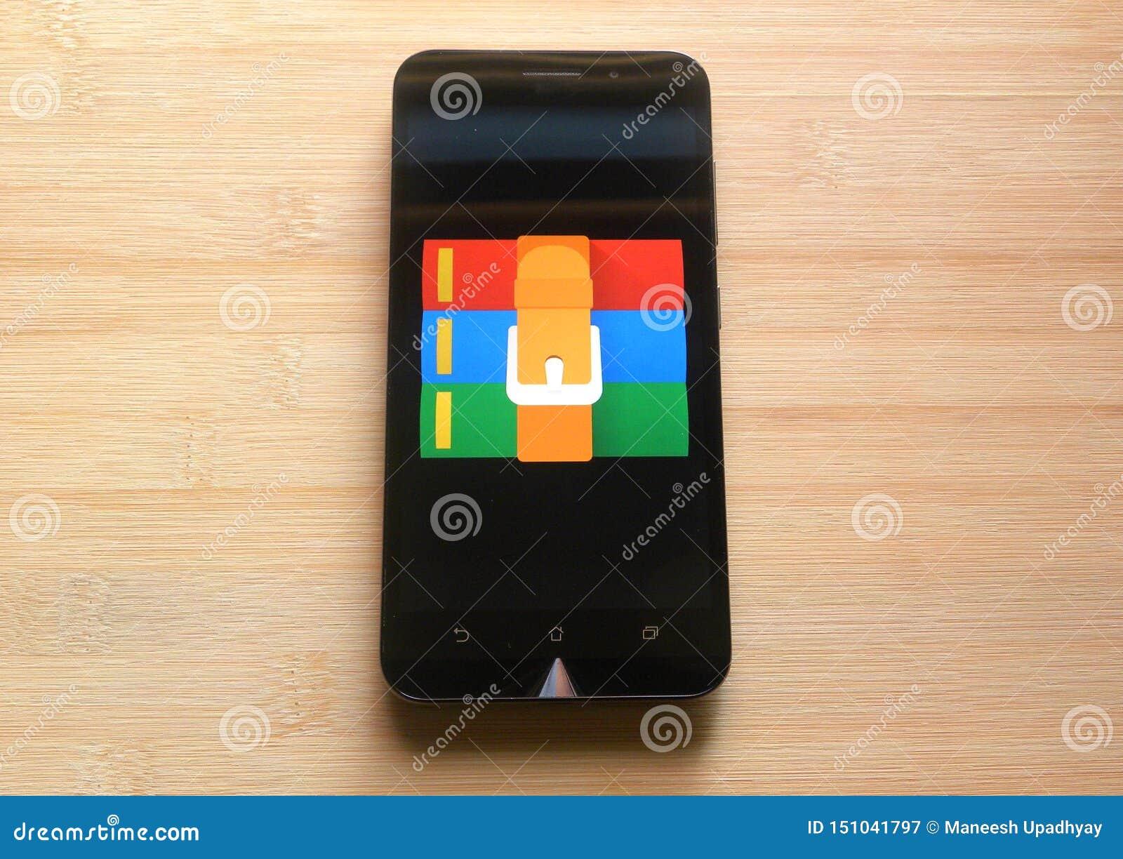 App de RAR en el teléfono móvil