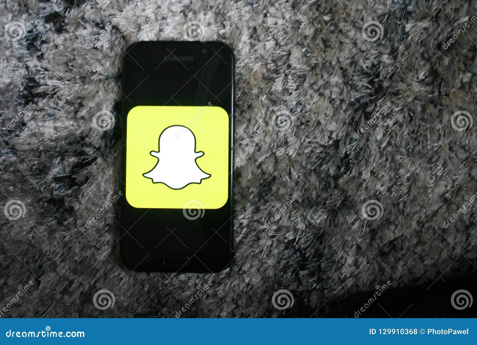 App Do Logotipo De Snapchat No Telefone De Samsung Da Tela
