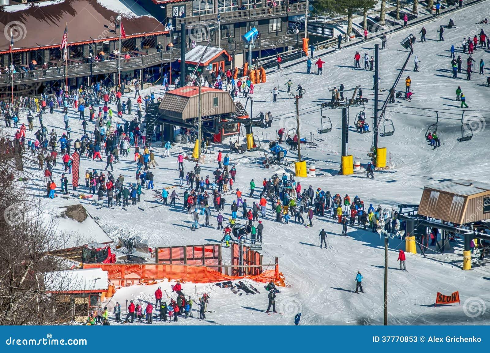 appalachian mountain ski resort stock image - image of hardwoods