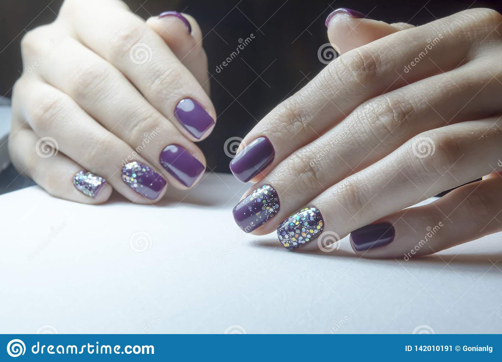 Apparatus manicure, preparing nails for gel polish, the process of coating