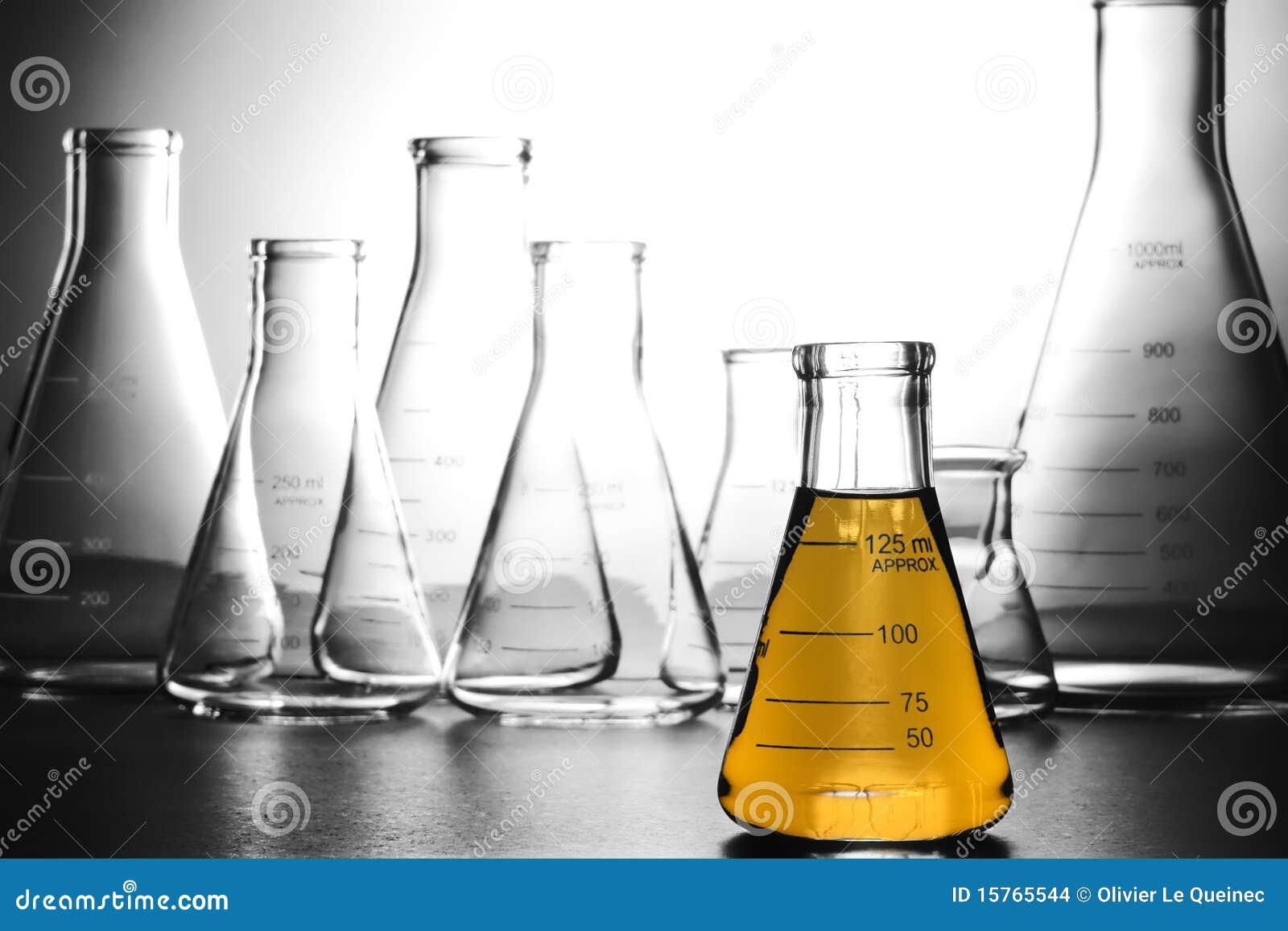 Apparatuur in het Laboratorium van het Onderzoek van de Wetenschap